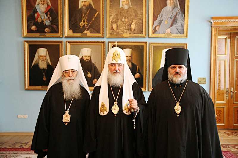 300 лет александро-невской лавре: торжественное богослужение (фото)
